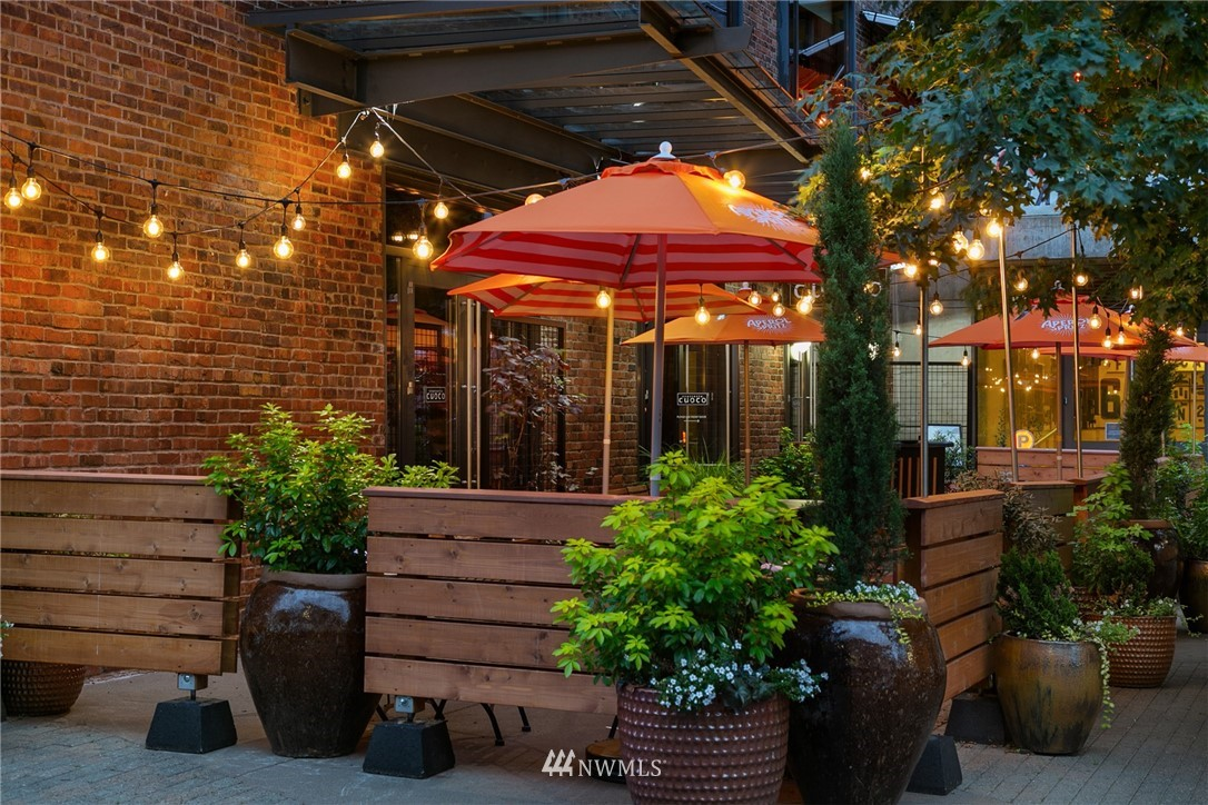 Pending | 2237 Minor Avenue E #C Seattle, WA 98102 17