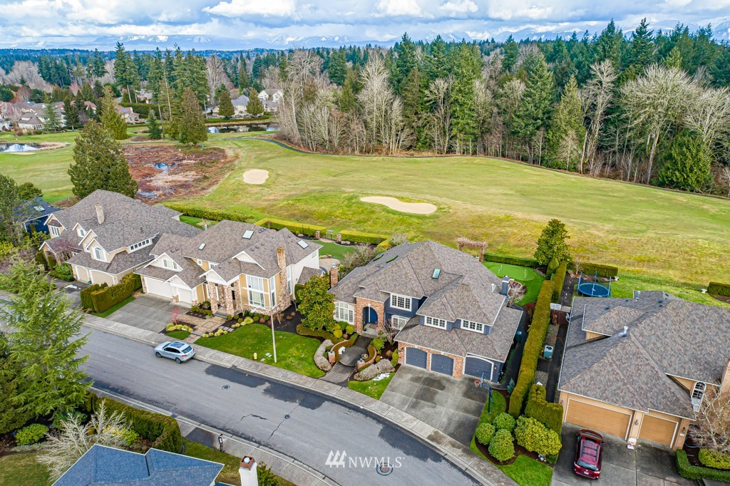 Sold Property | 428 245th Avenue SE Sammamish, WA 98074 2