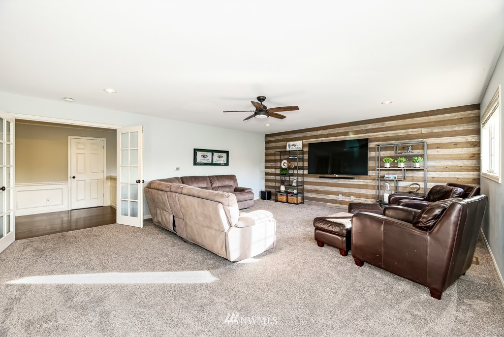Sold Property | 428 245th Avenue SE Sammamish, WA 98074 31