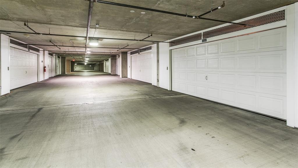 Active Option Contract   2900 Mckinnon Street #404 Dallas, Texas 75201 14