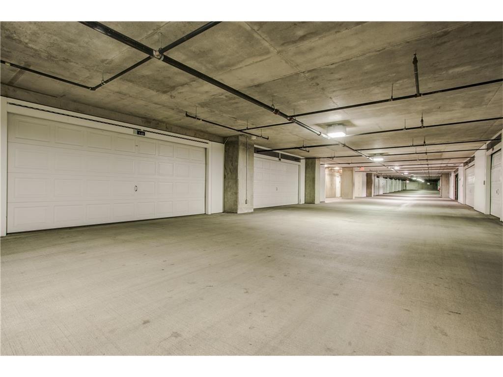 Active Option Contract   2900 Mckinnon Street #404 Dallas, Texas 75201 15