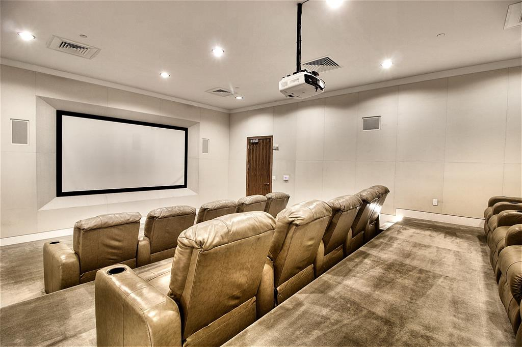 Active Option Contract   2900 Mckinnon Street #404 Dallas, Texas 75201 3