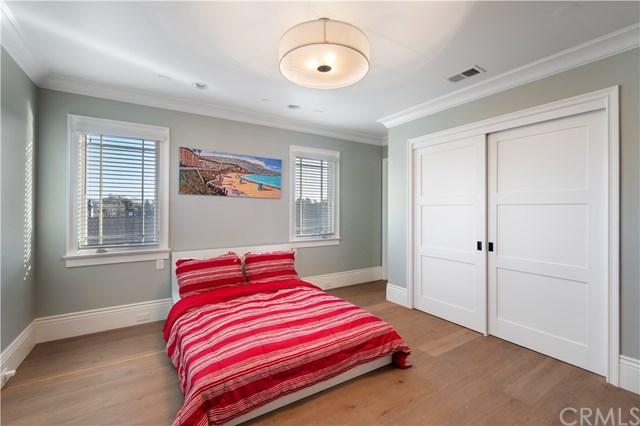Closed   3113 N Poinsettia Avenue Manhattan Beach, CA 90266 60