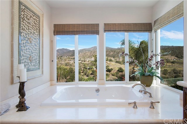 Closed | 22 Beaconsfield Rancho Santa Margarita, CA 92679 16
