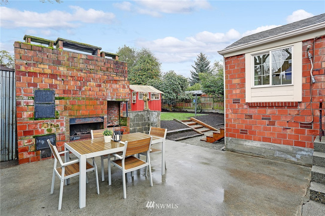 Sold Property   6736 10th Avenue NW Seattle, WA 98117 19