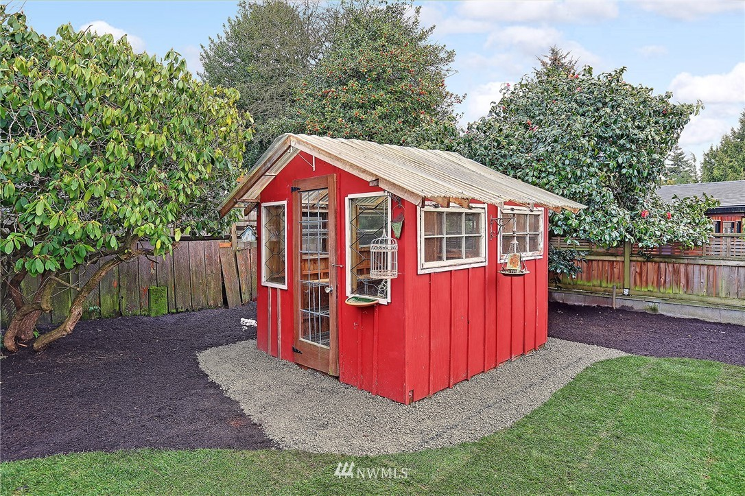 Sold Property   6736 10th Avenue NW Seattle, WA 98117 20