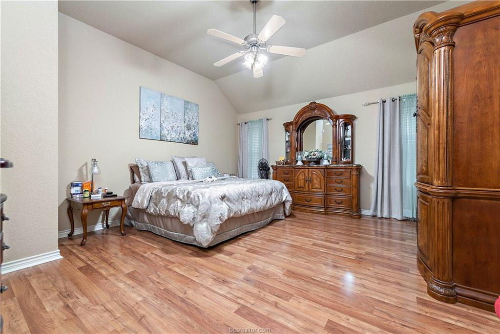 Closed   4208 Middleham College Station, TX 77845-5082 17