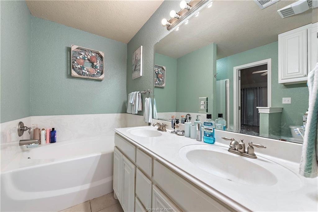 Closed   4208 Middleham College Station, TX 77845-5082 18