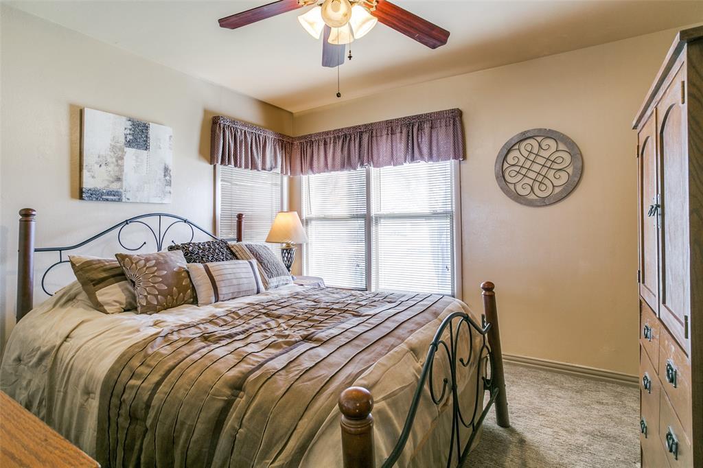 Sold Property | 427 E Ellen Avenue Hurst, Texas 76053 11
