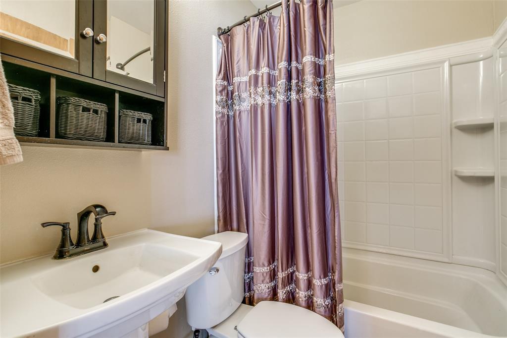 Sold Property | 427 E Ellen Avenue Hurst, Texas 76053 12