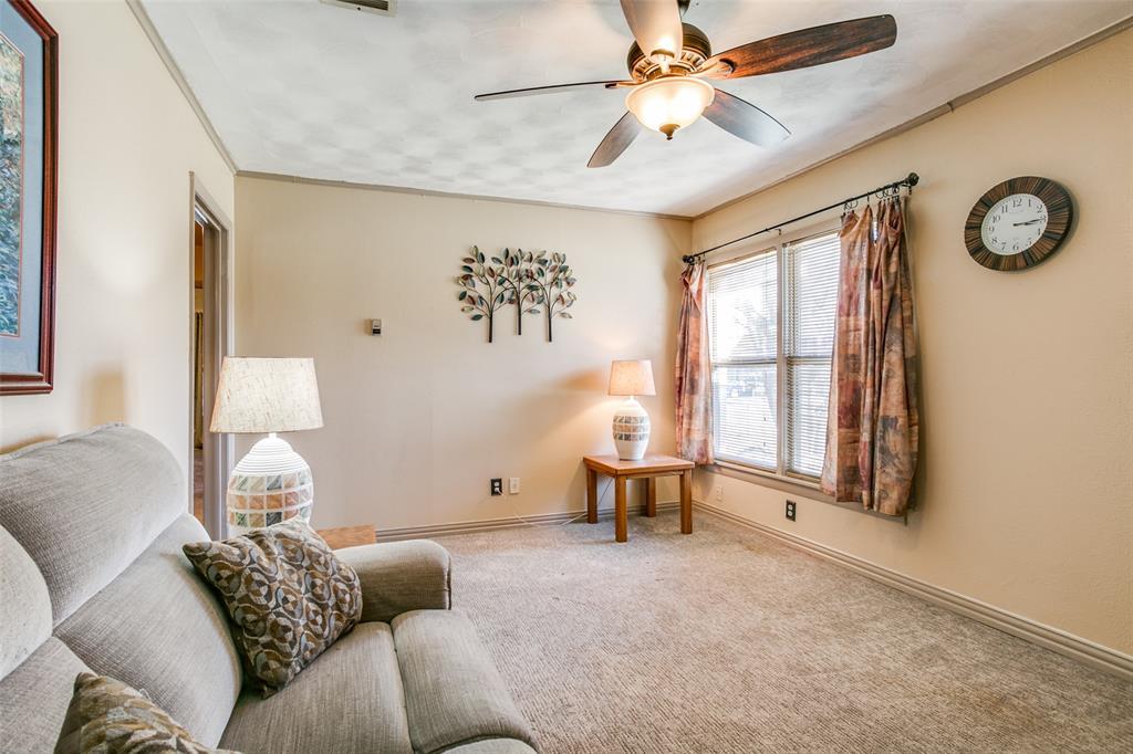 Sold Property | 427 E Ellen Avenue Hurst, Texas 76053 6