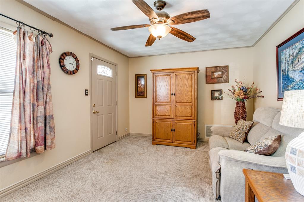 Sold Property | 427 E Ellen Avenue Hurst, Texas 76053 7