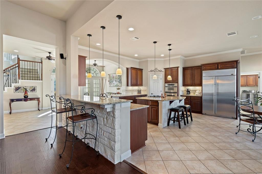 Closed | 13700 Country Lake Drive Austin, TX 78732 2