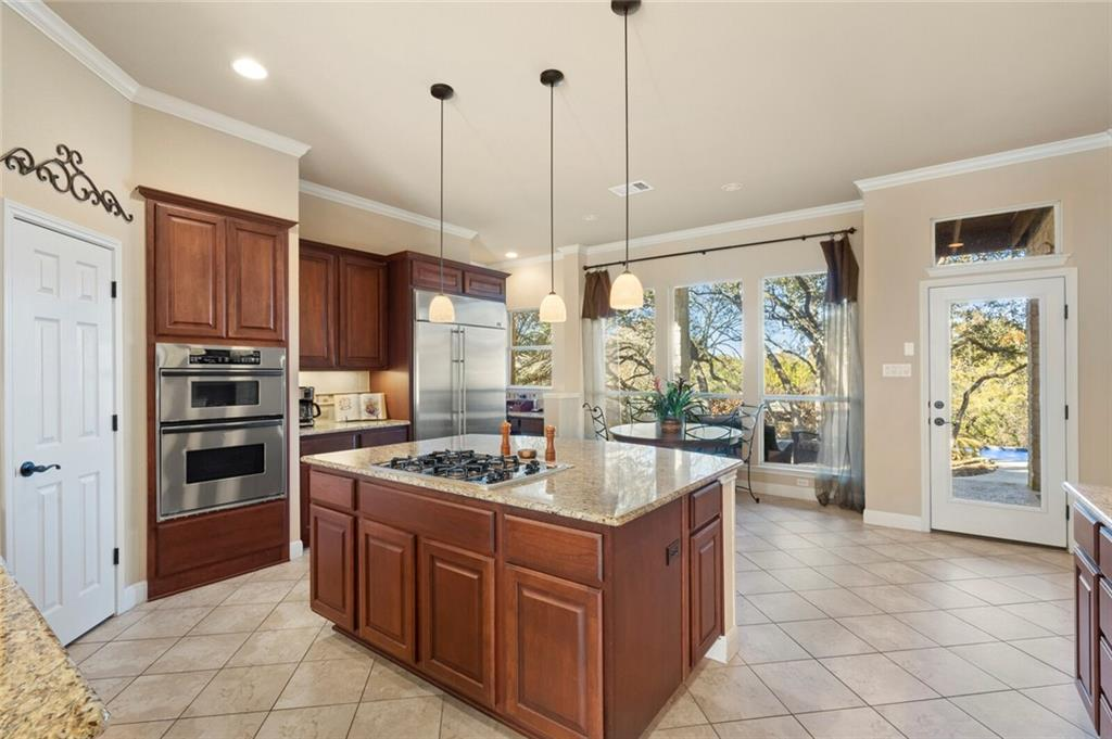 Closed | 13700 Country Lake Drive Austin, TX 78732 16