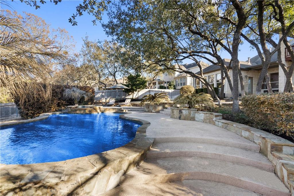 Closed | 13700 Country Lake Drive Austin, TX 78732 38