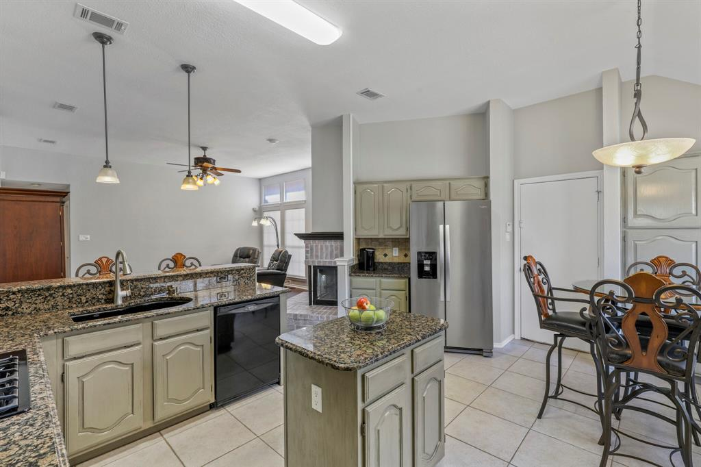 Sold Property | 7612 Chestnut Drive North Richland Hills, Texas 76182 12