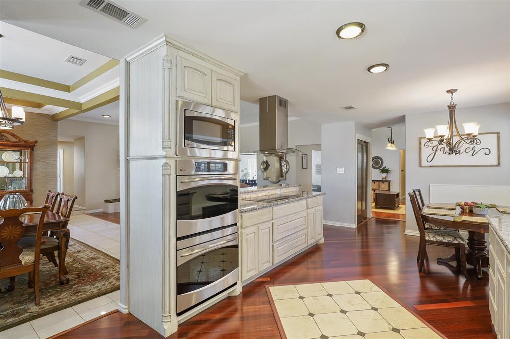 Sold Property | 9458 Whitehurst Drive Dallas, Texas 75243 9