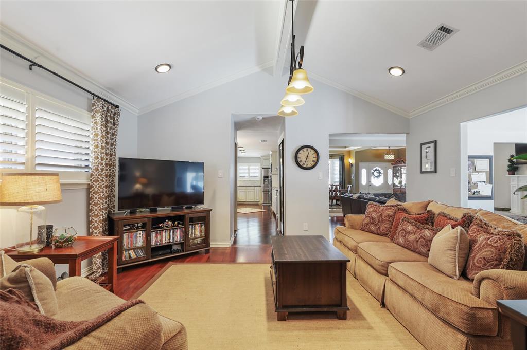 Sold Property | 9458 Whitehurst Drive Dallas, Texas 75243 14