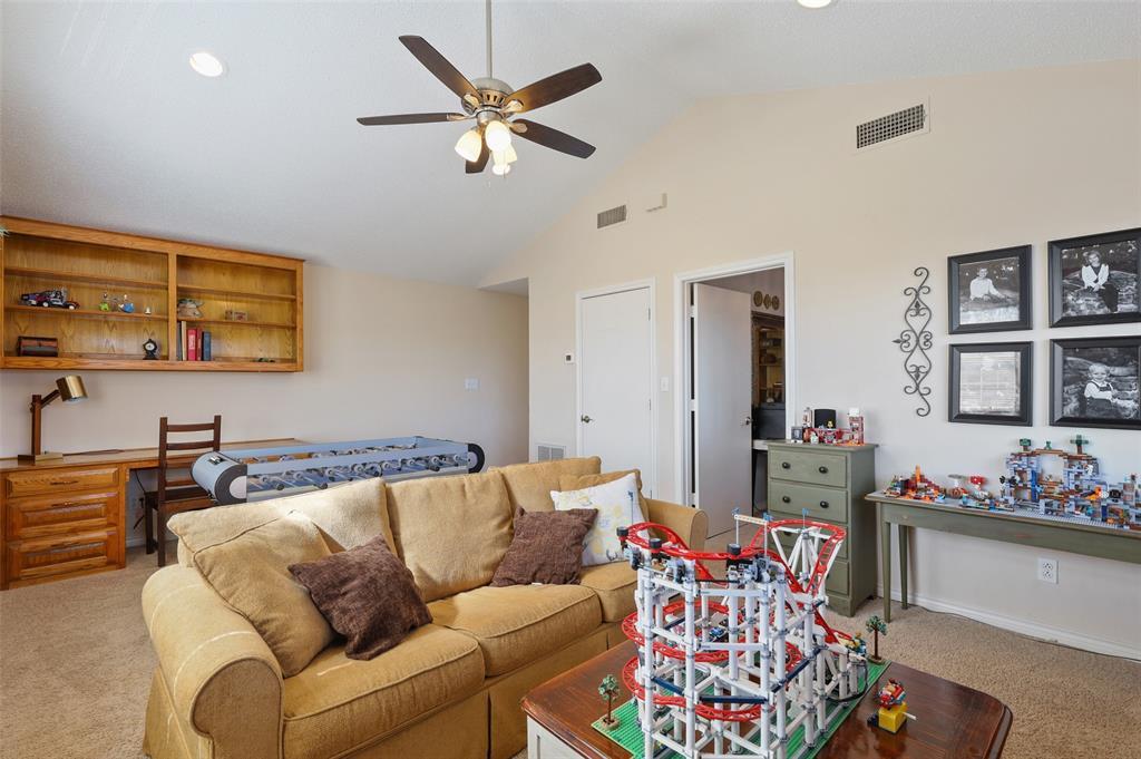 Sold Property | 9458 Whitehurst Drive Dallas, Texas 75243 17