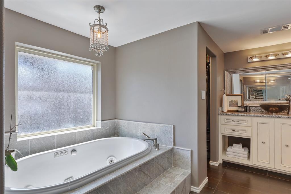 Sold Property | 9458 Whitehurst Drive Dallas, Texas 75243 26