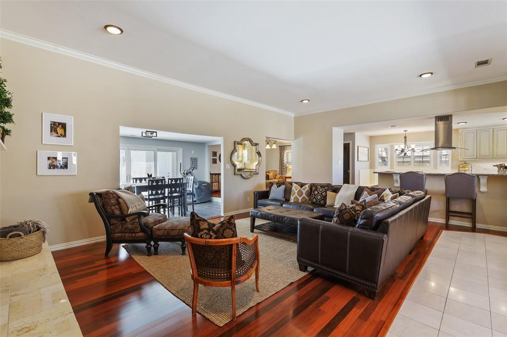 Sold Property | 9458 Whitehurst Drive Dallas, Texas 75243 6