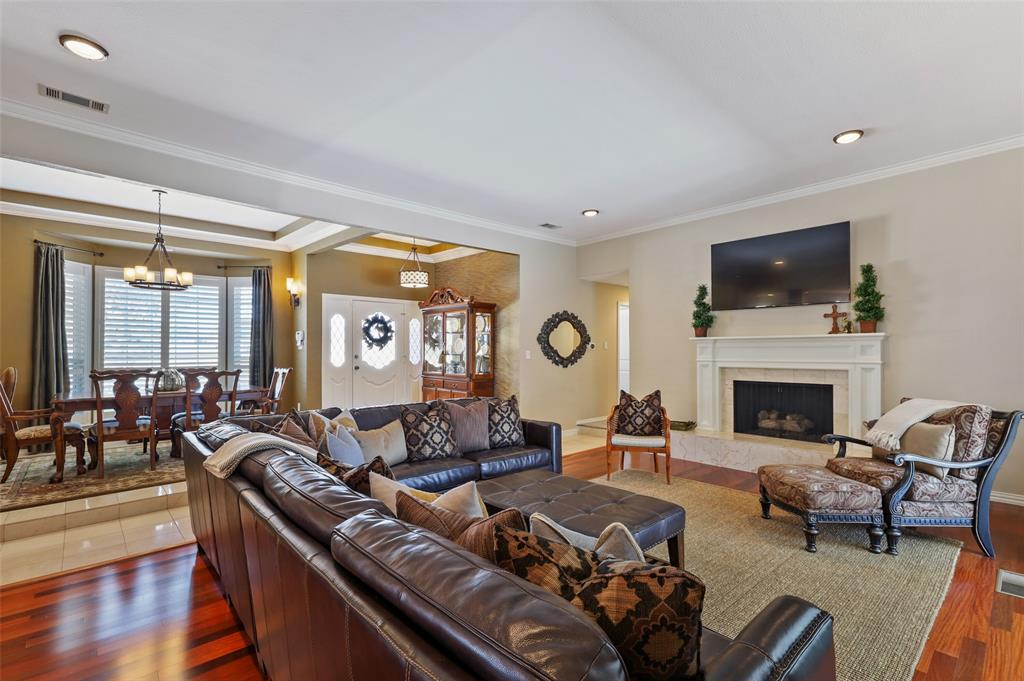 Sold Property | 9458 Whitehurst Drive Dallas, Texas 75243 7