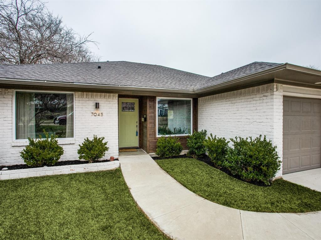Active Contingent | 7045 Gaston Parkway Dallas, Texas 75214 5