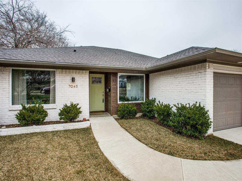 Active Contingent | 7045 Gaston Parkway Dallas, Texas 75214 6