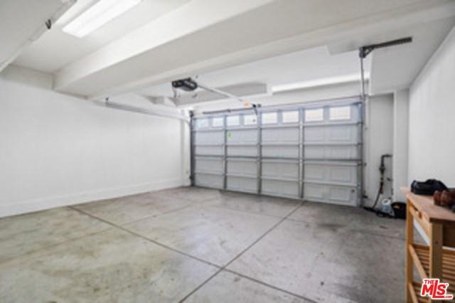 Closed | 5720 S Glennie Lane #G Los Angeles, CA 90016 28