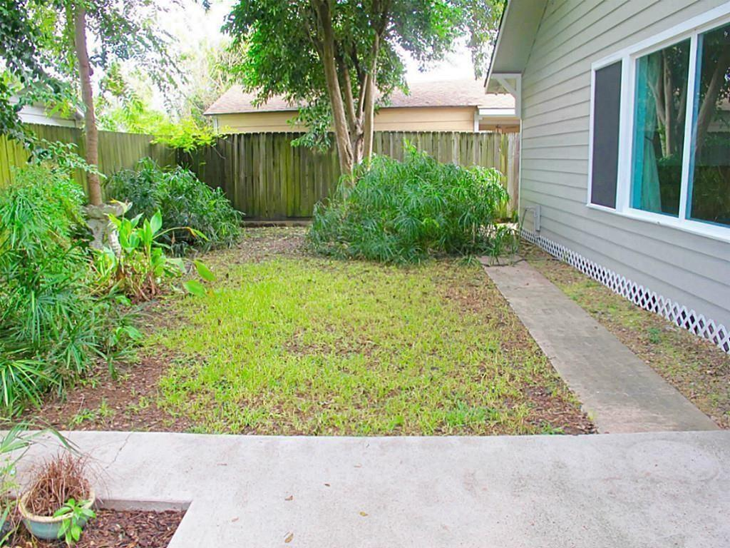 Pending Continue to Show | 1221 Aurora Street Houston, Texas 77009 16