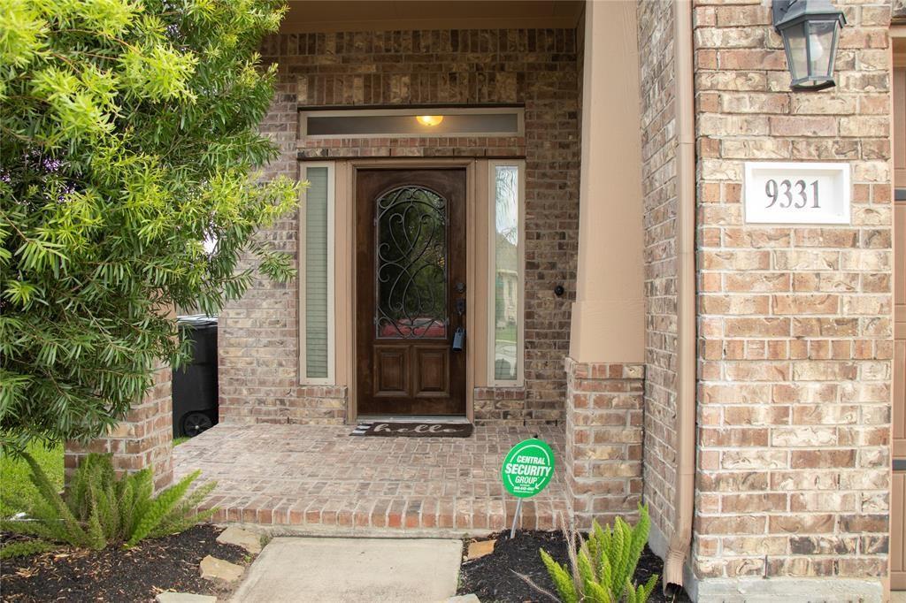 Off Market | 9331 Fuqua Ridge Lane Houston, Texas 77075 2