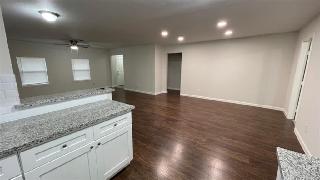 Off Market   8514 Glen Valley Houston, Texas 77061 4