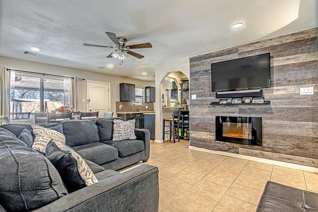 Pending | 5505 Crestmont Street Baytown, Texas 77521 2