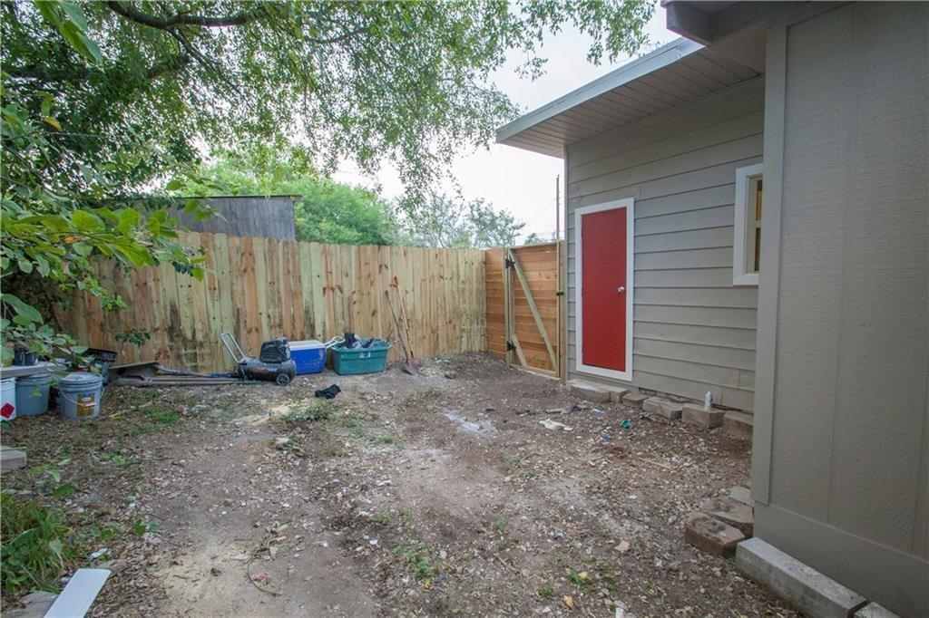 Closed   11020 Oak Street Jonestown, TX 78645 20
