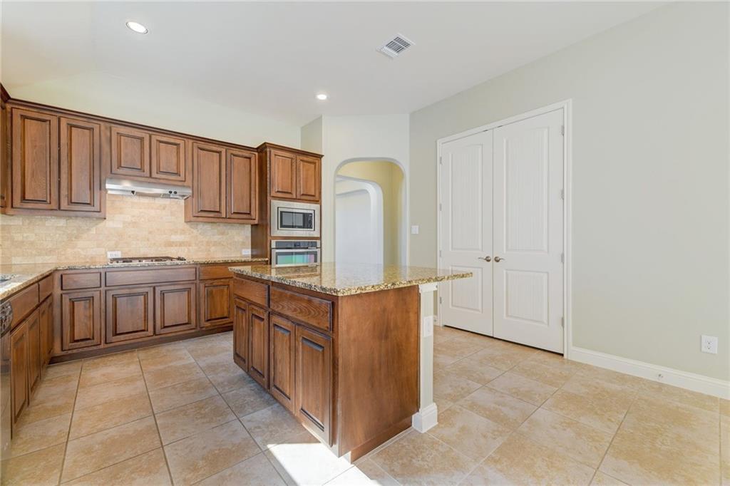 Closed   1235 Falling Hills Drive Georgetown, TX 78628 9