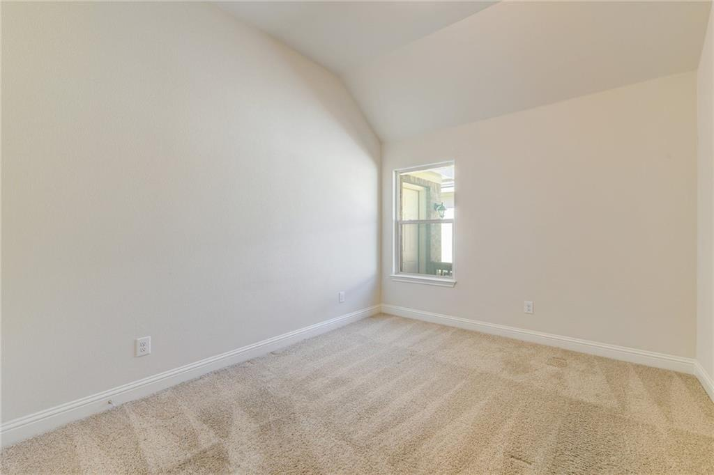 Closed   1235 Falling Hills Drive Georgetown, TX 78628 25