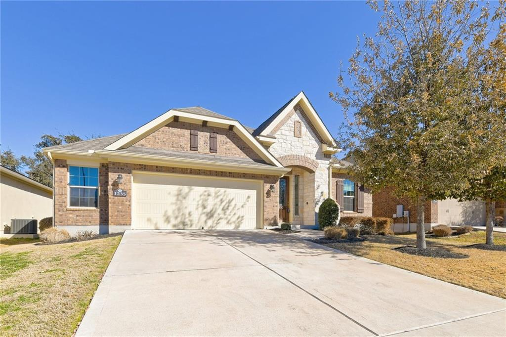 Closed   1235 Falling Hills Drive Georgetown, TX 78628 27