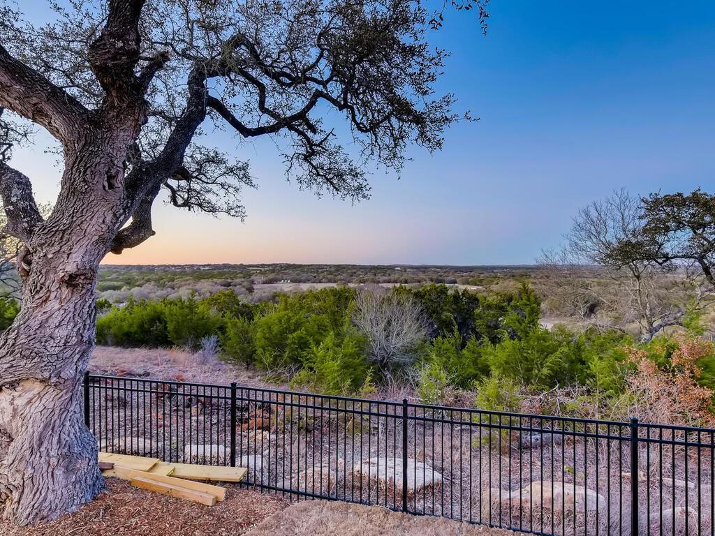 Closed | 310 Napa Court Driftwood, TX 78619 1