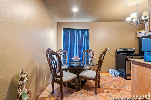 Pending | 4338 Stephanie St San Antonio, TX 78237 3
