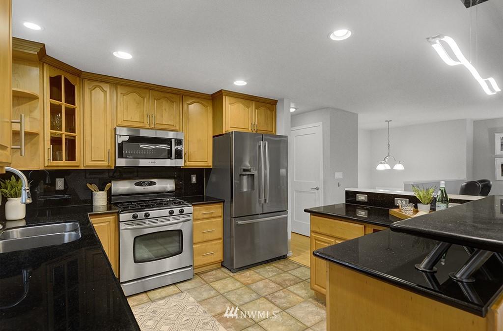 Sold Property | 14104 111th Avenue NE Kirkland, WA 98034 3