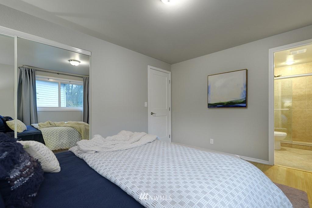 Sold Property | 14104 111th Avenue NE Kirkland, WA 98034 13