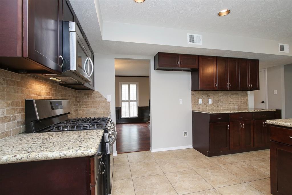 Active | 180 Maple Branch Street Spring, Texas 77380 15