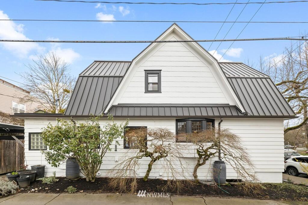 Sold Property | 1714 E Thomas Street Seattle, WA 98112 35