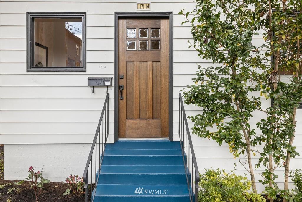 Sold Property | 1714 E Thomas Street Seattle, WA 98112 37