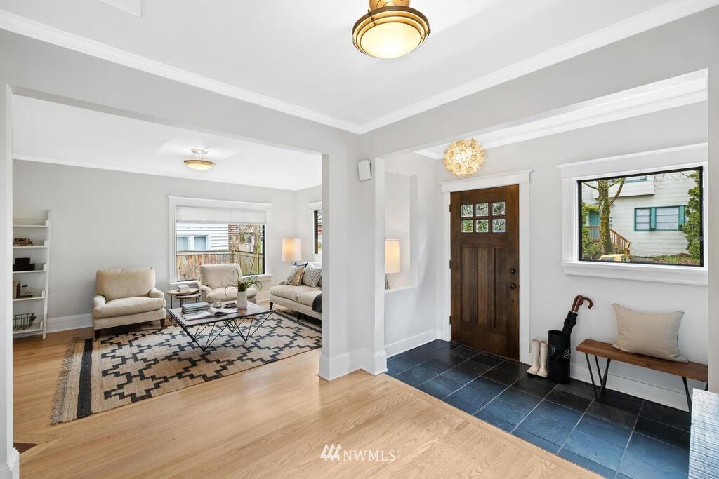 Sold Property | 1714 E Thomas Street Seattle, WA 98112 6