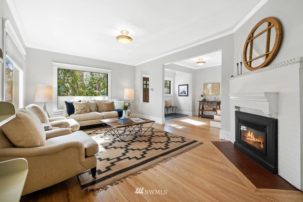 Sold Property | 1714 E Thomas Street Seattle, WA 98112 2
