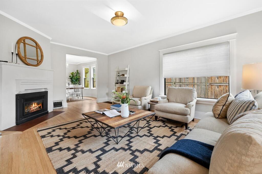 Sold Property | 1714 E Thomas Street Seattle, WA 98112 4