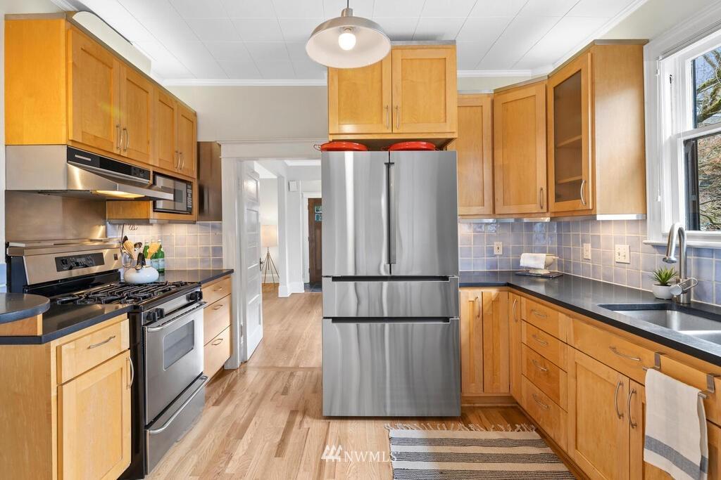 Sold Property | 1714 E Thomas Street Seattle, WA 98112 14