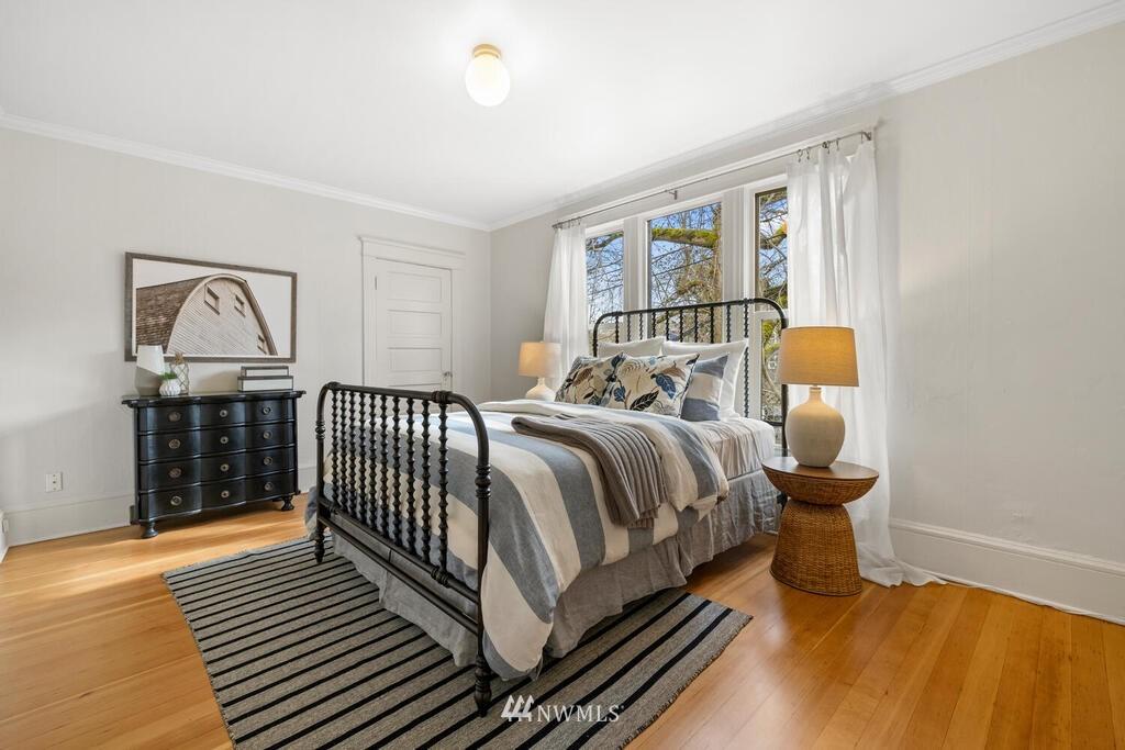 Sold Property | 1714 E Thomas Street Seattle, WA 98112 19