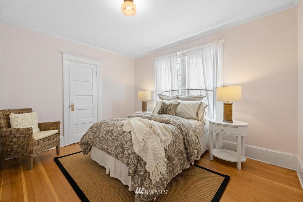 Sold Property | 1714 E Thomas Street Seattle, WA 98112 20
